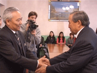 Mongolian Consul and Tuvan Prime-minister. Photo by the Tuvan government