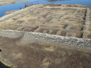 Пор-Бажын, крепость на озере Тере-Холь, Тува. Фото предоставлено ИА Тува-Онлайн МЧС России