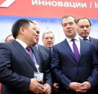 В Сочи Глава Тувы проинформировал Дмитрия Медведева о мерах по развитию региона и поблагодарил за поддержку