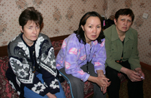 Mothers on hunger strike. Photo by Oyumaa Khomushku