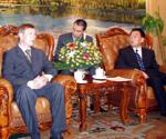 Alexandr Brokert meeting his Chinese Colleague