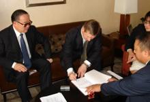 Подписание соглашения между правительствами провинцией Хэйлуцзин (КНР) и Тувой (РФ). Фото предоставлено правительством Тувы