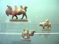 Тувинские камнерезные фигурки. Фото Насти Ельцевой.