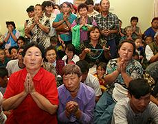 Tuvans pray for Dalai'Lama's visit. Courtesy to savetibet.ru