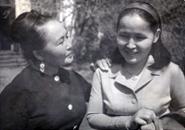 Актрисы Кара-Кыс Мунзук и Дадар Барынмаа