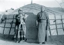 Фото Владимира Ермолаева, первого директора тувинского краеведческого музея и самого первого фотографа Тувы