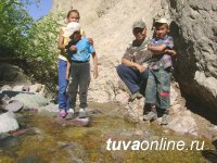 """Tuvan journalists are learning about """"Treasures"""" of Ulug-Khem"""