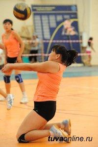 Чемпионат Тувы по волейболу выиграли команды ТГУ и Дзун-Хемчика