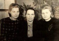 Сводки Информбюро, работа с десятидворками, помощь фронту - в воспоминаниях Натальи Ефимовой