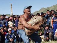 В Туве возрождают традиционные состязания мужчин