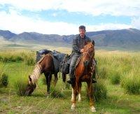 Житель Хакасии приехал конным маршрутом в Туву, чтобы поучиться мастерству табунщика