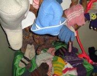 """В Туве продолжается акция """"Теплая зима"""" по сбору вещей для малоимущих детей"""