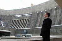 Д.Медведев назвал вызывающей ситуацию с ростом тарифов на передачу электроэнергии