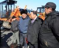 Горная Монгун-Тайга получила автогрейдер и снегоочиститель для расчистки дорог