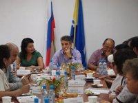 Сенатор отчитался перед депутатами парламента Тувы о первых месяцах своей работы
