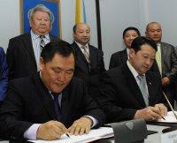Глава Тувы встретился с губернатором Убсанурского аймака Монголии