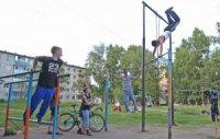 В Туве дворовые площадки оснастят турниками и брусьями
