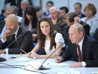 Шолбан Кара-оол и Лариса Шойгу участвуют в тематических секциях ХII Съезда партии «Единая Россия»