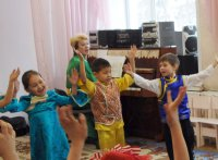 В Туве работникам дошкольного образования вручены госнаграды