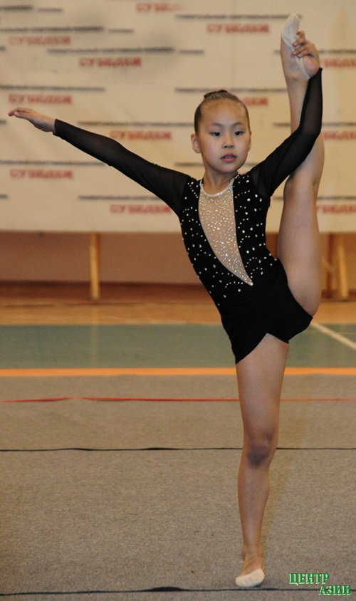 гимнастки девушек фото