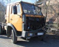 В Туве КАМАЗ въехал в опору электролинии, водитель скрылся
