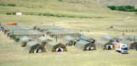 Глава Тувы Шолбан Кара-оол побывал в гостях у студентов – участников археологической экспедиции в «Долине царей»