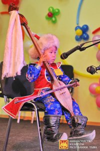 В Туве 3-летний горловик завоевал «Приз зрительских симпатий» республиканского конкурса хоомея