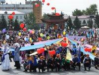 Глава Тувы Шолбан Кара-оол и спикер Верховного Хурала Кан-оол Даваа поздравили жителей республики с Днем России