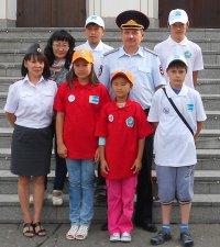 Дети тувинских полицейских осваивают дорогу дружбы между Тувой и Монголией