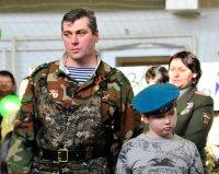 Глава Тувы поздравил десантников с Днем ВДВ