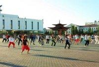 Столица Тувы начинает утро с массовых зарядок на трех открытых площадках