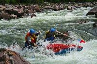 Глава Тувы поставил задачу усилить поиски пропавших туристов, сплавлявшихся по реке