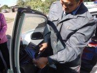 Полиция Тувы операцию по растонированию стекол автомашин начала с себя