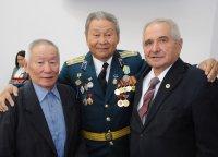 Глава Тувы вручил государственные награды за профессионализм и добросовестный труд
