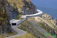 Главная дорога Тувы приросла на 100 м противолавинным козырьком