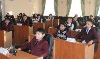 В День Конституции лицеисты примерили на себя роль депутатов парламента Тувы