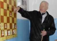 17-кратный чемпион Тувы по шахматам Николай Шишигин отмечает юбилей