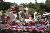 В США для участия в легендарном Параде Роз выехали Народный хоомейжи и именитые борцы Тувы