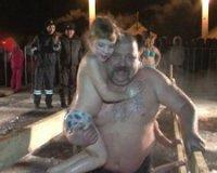 В Туве Крещенские купания начались в ночь на 19 января