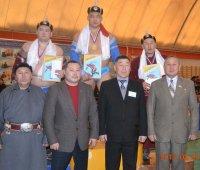 Хуреш: приз тандынцев у Ай-Демира Монгуша