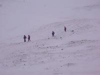 В Туве поиск школьников, попавших под снежную лавину, по сигналам мобильных телефонов не дал результата