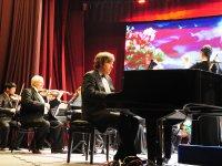 Пианист-виртуоз Олег Полянский дал концерт в Туве