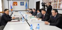 Шолбан Кара-оол консультируется с медиками по кандидатуре главы Минздрава