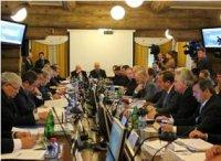 Главы сибирских регионов обсудили вопросы реализации указов Президента России