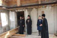 Епископ Феофан побывал на строительстве храма в исправительной колонии Тувы