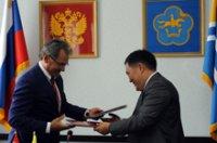 Глава Тувы поздравил министра обороны России Сергея Шойгу с Днем рождения