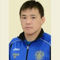 Омак Сюрюн завоевал бронзу на Чемпионате России по вольной борьбе