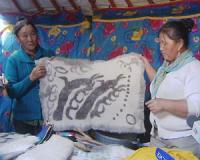 Монгольские тувинцы обучают земляков в Туве забытым секретам древних ремесел