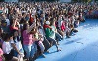 Глава Тувы собрал на площади в День Молодежи подписчиков своей страницы ВКОНТАКТЕ