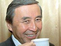 Глава Тувы поздравил первого президента республики Шериг-оола Ооржака с Днем рождения